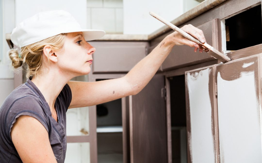 Cabinet Refinishing vs Refacing: What's the Difference?